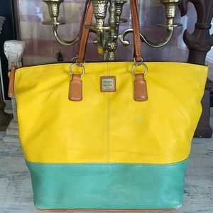 Rare Dooney & Bourke glove leather L tote bag